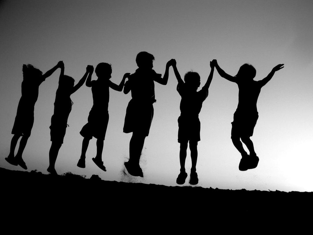 Trabajamos juntos, jugamos juntos, lloramos juntos…