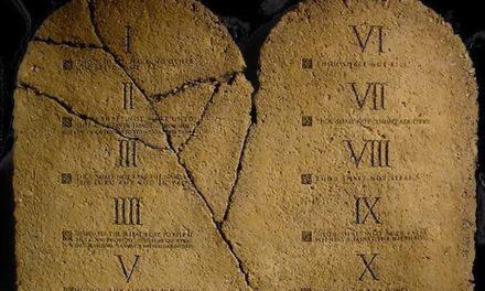 ¿Hammurabi o Moisés – ¿Quién es la autoridad?