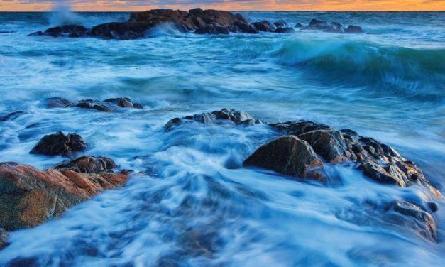 A través de las olas y los vientos