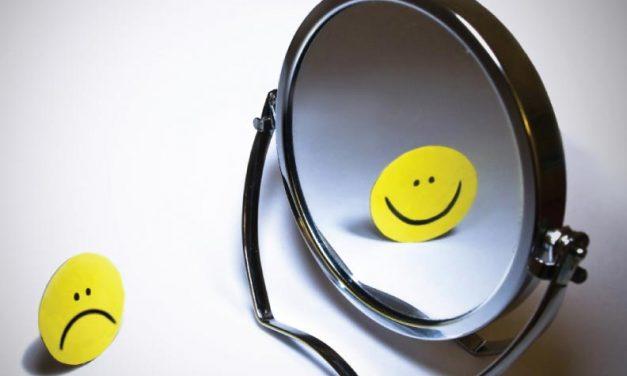 ¿Qué refleja el espejo?
