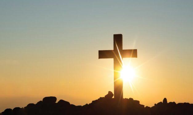 La persona sobre la cruz