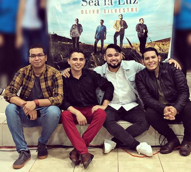 """Olivo Silvestre estrena su álbum """"Sea la luz"""""""