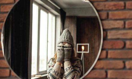 Al mirarnos al espejo